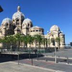 Achterkant van de Cathédrale de la Major de Marseille - kathedraal in Marseille